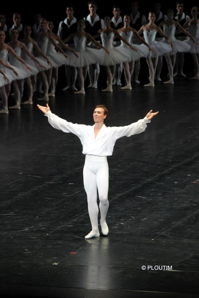 Nicolas Le Riche lors du défilé 2012